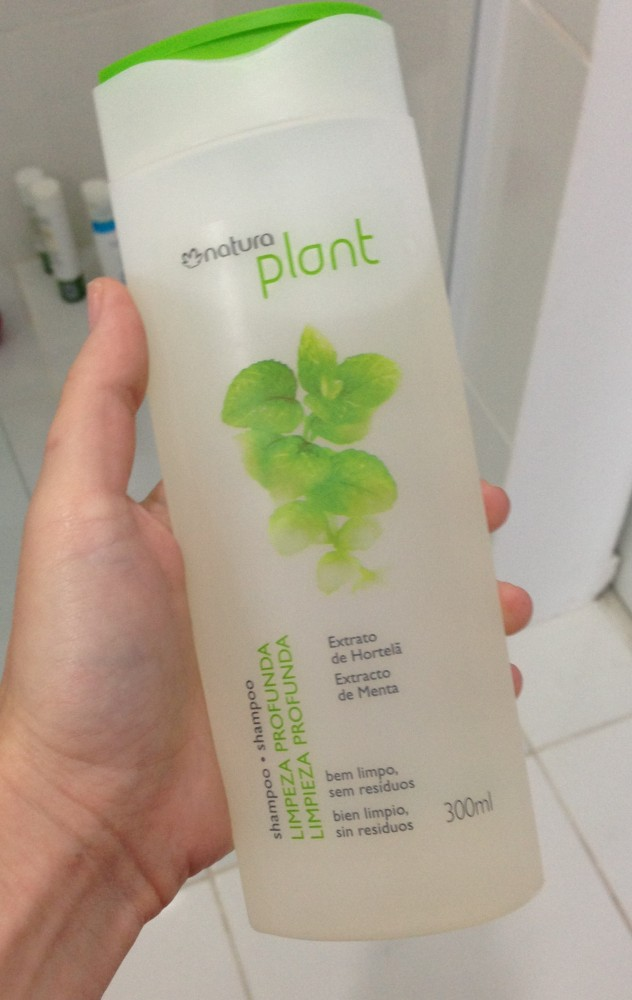 Testei: Shampoo pra cabelos oleosos Natura Plant (2/4)